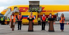 El presidente colombiano celebró la llegada del primer lote de vacunas contra el coronavirus.