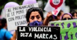 """Un colectivo de mujeres pidió al presidente argentino declarar la """"emergencia nacional por violencia de género""""."""