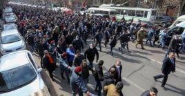 Las tensiones políticas se dispararon en Armenia cuando el ejército de la nación lideró los pedidos de renuncia del Gobierno del primer ministro Pashinyan.