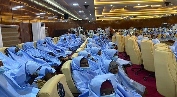 Liberan a más de 270 niñas secuestradas en Nigeria
