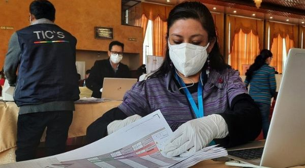 Bolivia entra en jornada conclusiva de campaña electoral