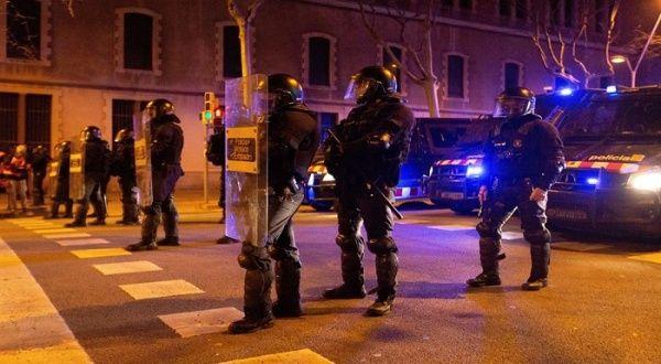 Dictan prisión provisional para manifestantes en España