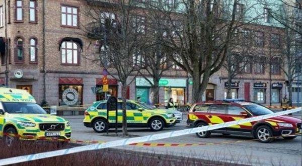 Fiscalía sueca investiga apuñalamiento como intento de asesinato