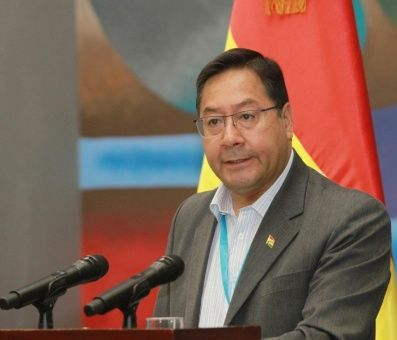El presidente boliviano, Luís Arcedestacó que la vacunación continuará con varias etapas.