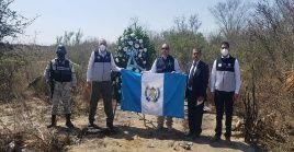 Autoridades guatemaltecas honra memoria de  connacionales víctimas en hechos de Camargo, Tamaulipas, México, previo a la repatriación.