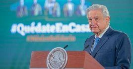Andrés Manuel López Obrador anunció que los jueces actuaron en favor de empresas extranjeras y frenaron la renacionalización del sector eléctrico.
