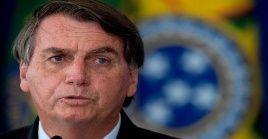 Desde el inicio de la pandemia, Bolsonaro ha contradecido los lineamientos de especialistas y autoridades de salud pública para hacer frente a la pandemia.