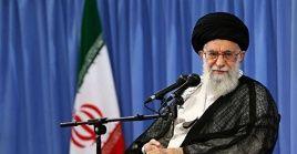 En el marco de la pandemia de la Covid-19, el ayatolá Jamenei reconoció que el coronavirus trajo impactos económicos.