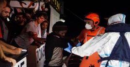 Después de estar el barco con 147 migrantes 19 días frente a las costas de Italia, solo le fue permitido el ingreso al país a los menores de edad y personas con problemas de salud.