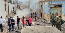Los hechos se presentaron a las 15H30 (hora local), cuando el coche bomba se ubicó en la zona izquierda del edificio.