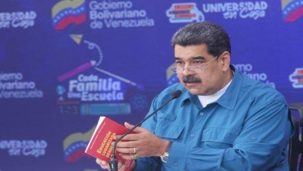 Esta acción viola el artículo 57 y 58 de la Constitución de Venezuela, y el bloqueo por 30 días carece de justificación, indicó el Minci..