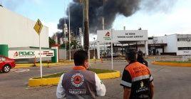 """El incendio se registró en la refinería """"Lázaro Cárdenas"""", ubicada en Minatitlán, en el estado de Veracruz."""