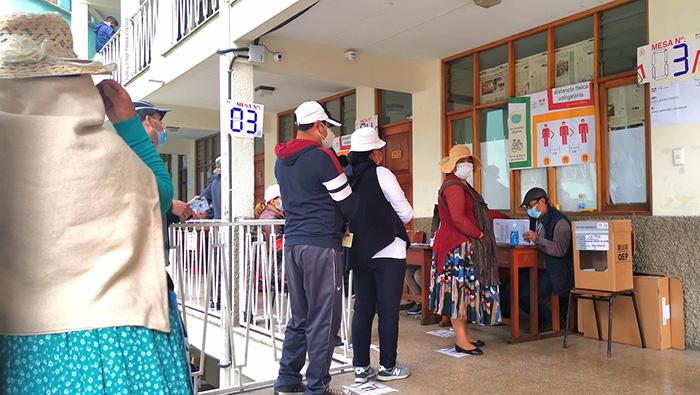 Comicios subregionales en Bolivia se efectúan con normalidad