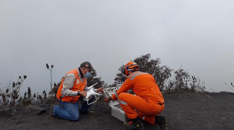 Expertos de la Conred realizan labores de monitoreo en la zona