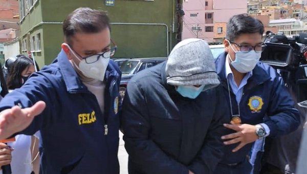 Characayo fue inmediatamente destituido de su cargo, una vez conocida su detención.