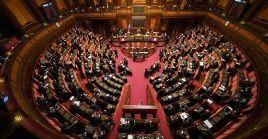 La moción fue aprobada con el voto favorable de 173de los 194 senadores presentes en la sesión.