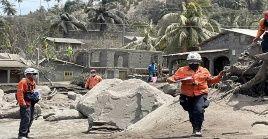 """""""Esta crisis puede durar más de seis meses"""", destacó Trebucq en rueda de prensa virtual sobre la erupción del coloso, en constante actividad desde el viernes pasado."""