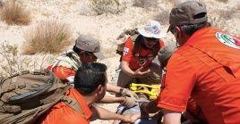 Funcionarios del Grupo Beta del INM prestan ayuda a migrante que intenta llegar a EE.UU.