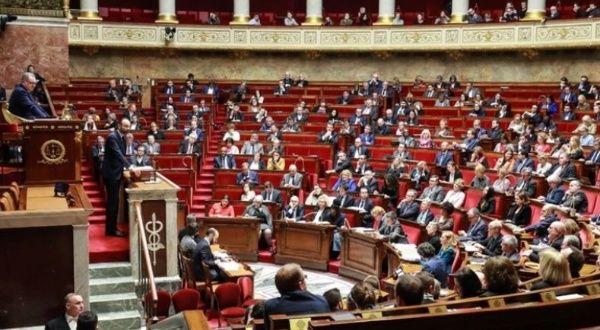 Francia refuerza ley contra delitos sexuales a menores de edad