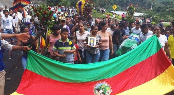 Denuncian ataque a minga contra cultivos ilícitos en Colombia