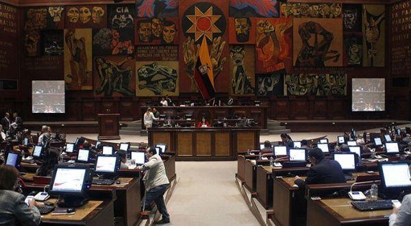 Parlamento de Ecuador aprobó proyecto de ley sobre dolarización