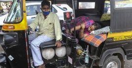 En Nueva Delhi la saturación hospitalaria y la falta de oxígeno complejizan el panorama.
