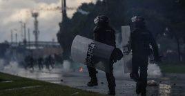 Pese a los llamamientos de organismos internacionales como la Unión Europea (UE) y Naciones Unidas de cesar la represión en el país suramericano contra los manifestantes, el general Zapateiro promueve a sus hombres seguir en las calles.