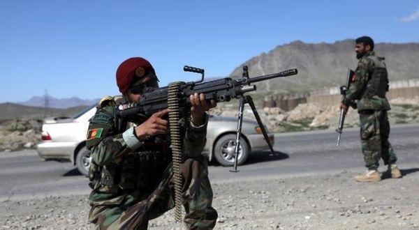 Talibanes ocupan distrito afgano desde la retirada de EE.UU.
