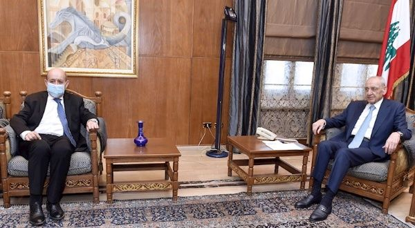 Francia se queja y advierte de parálisis política en Líbano