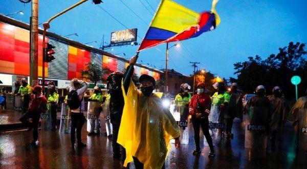 Congreso colombiano se reúne con Comité Nacional del Paro
