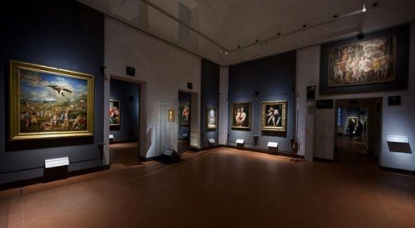 Galería Uffizi reabre al público en Florencia, Italia