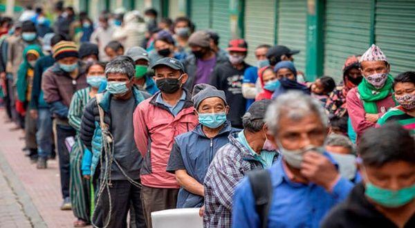 India bate récord mundial de casos de coronavirus en 24 horas