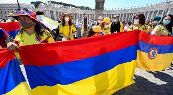 Papa Francisco expresa preocupación por situación en Colombia