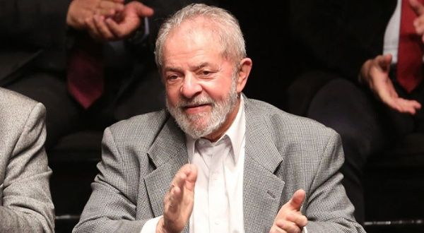 Sondeo da como ganador a Lula de las presidenciales en Brasil