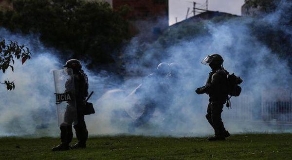Denuncian represión contra manifestantes a las afueras de estadio de fútbol en Barranquilla, Colombia
