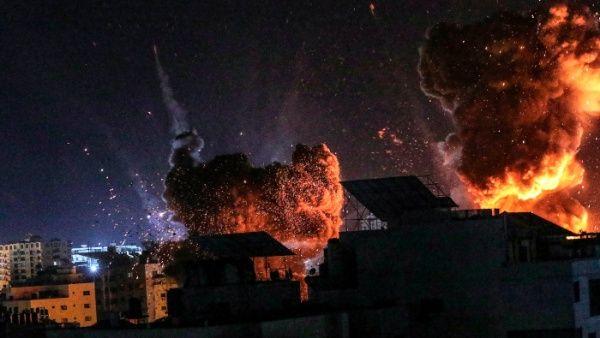 Las Fuerzas de Defensa de Israel (FDI) informaron que la noche del lunes 62 de sus aviones atacaron objetivos en Gaza.