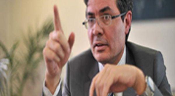 """Entrevista al """"buen opositor"""" Alejandro Gaviria, posible candidato presidencial   Blog   teleSUR"""