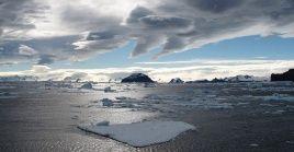 El calentamiento global traerá, entre sus consecuencias, un deshielo mayor a lo habitual de los casquetes polares y los glaciares continentales.