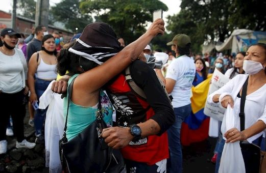 Medio centenar de muertos ha dejado la represión estatal contra las manifestaciones del Paro Nacional en Colombia en el último mes.