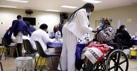 África y otras partes del mundo necesitan ponerse al día con urgencia para acelerar la vacunación contra la Covid-19.