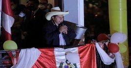 Con el 96.41 por ciento de las actas electorales contabilizadas, Pedro Castillo, aventaja a su contrincante por Fuerza Popular, Keiko Fujimori.