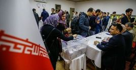Más de 54 millones de iraníes están convocados para acudir a las urnas electorales y elegir a su nuevo presidente.