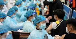 El avance en el proceso de vacunación fijó un crecimiento de 100 millones de dosis aplicadas en cinco días.