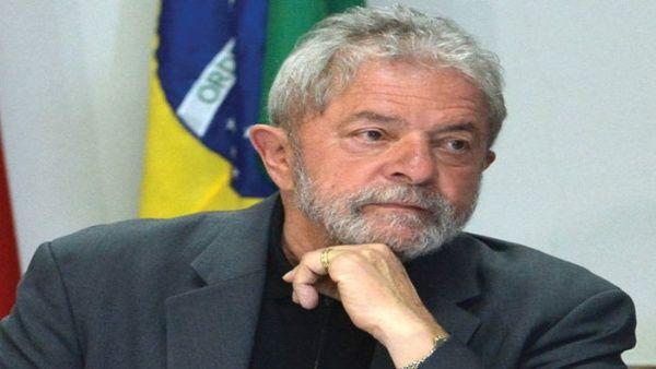 El expresidente brasileño anunció que su posible candidatura para los comicios se dará en el momento indicado.