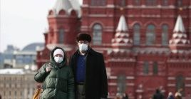 Con la incidencia de la nueva variante, Moscú y San Petersburgo son las ciudades rusas que mayor cantidad de muertes han registrado en los últimos días.