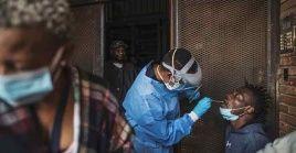 Sudáfrica ha vacunado contra la Covid-19 a más de 2.6 millones de personas, lo que representa un 4.5 por ciento de su población.