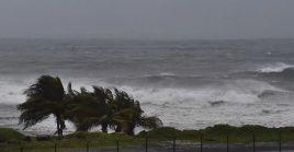 Las lluvias y los fuertes vientos en las Antillas Menores persistirán hasta la noche de este sábado.