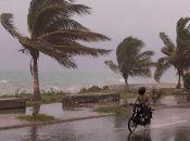 El CNH advirtió que las intensas lluvias que ocasionará Elsa pueden provocar inundaciones y deslizamientos de tierra.