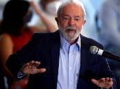 De acuerdo con el estudio, Bolsonaro se llevaría solamente al 32 por ciento del electorado frente al 49 por ciento que tomaría Lula.