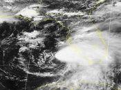 Elsa mantiene vientos por encima de los 100 kilómetros por horas mientras avanza rumbo a la península de la Florida.
